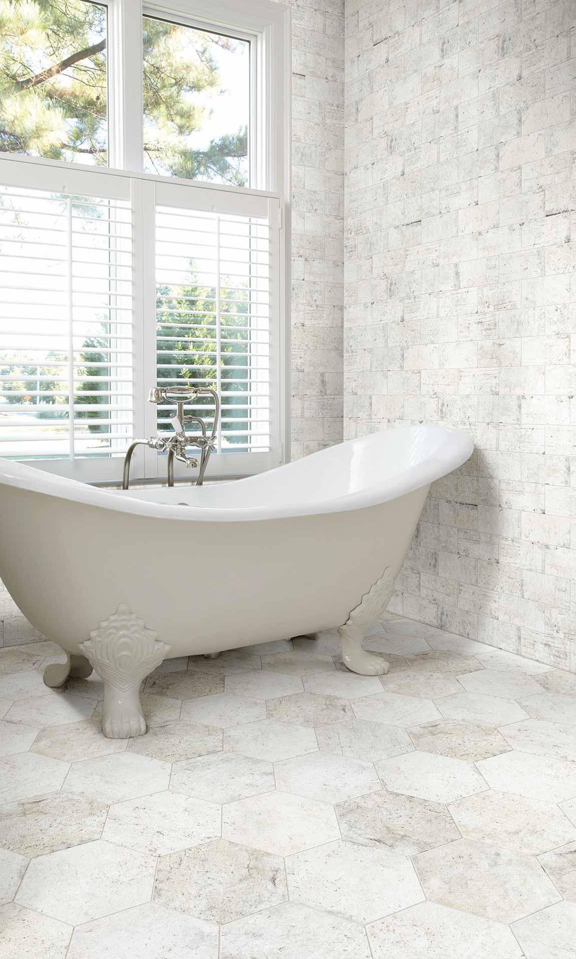 Coastal Beach House Bathroom Light Tile Stone Design & Ideas ...