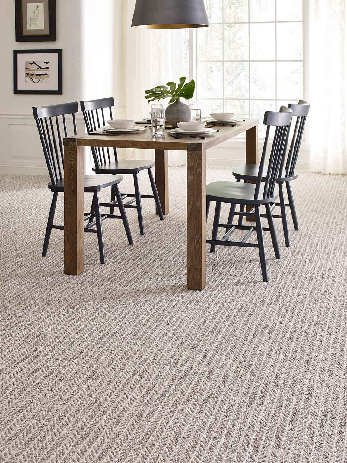 Rustic Farmhouse Dining Room Tone On Pattern Carpet
